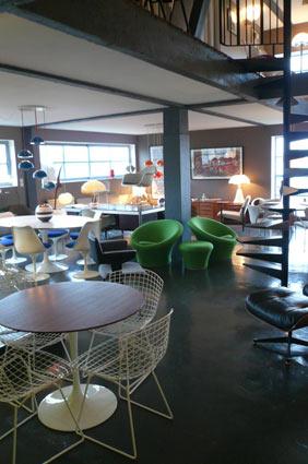Mobilier Paulin, Eames, Saarinen à La Galerie du 20° à Poitiers